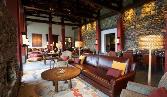 Gangtey, Bhutan: Lodge Dining Room and Lounge