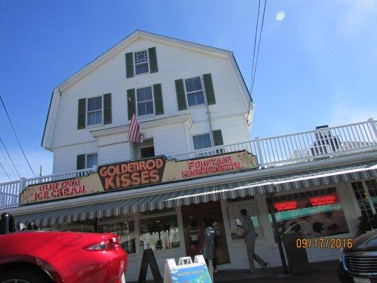 York Beach Maine Goldenrod Restaurant Historical Building