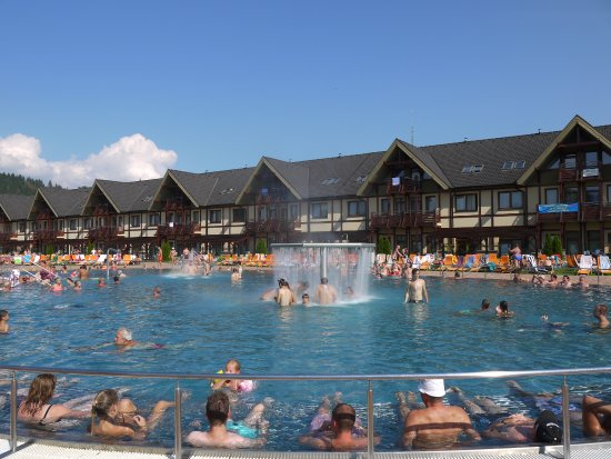 Bešeňová, Eslovaquia: view from the pool