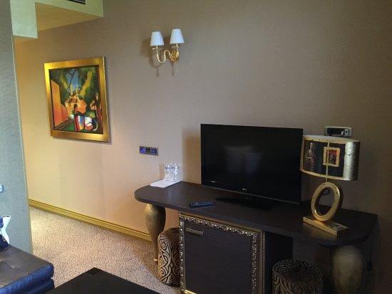 deluxe suite - wohnzimmer - couch - picture of hotel talija, banja, Deko ideen
