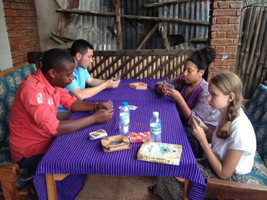 Kisoro, Uganda: Games on the front porch