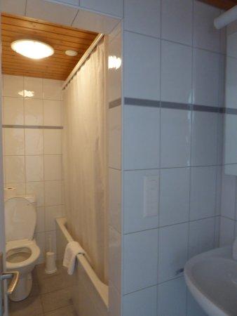 Boenigen, Suiza: bathroom