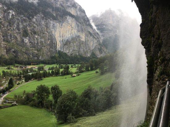 Lauterbrunnen Valley waterfalls 사진