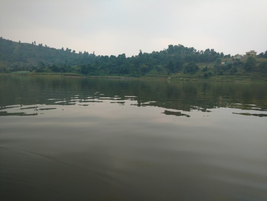 Haryana, Indie: Lake from boat.