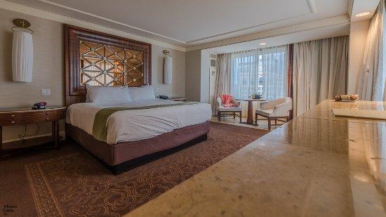 Centurion Tower Deluxe King Ocean View Room Picture Of Caesars Atlantic City Tripadvisor