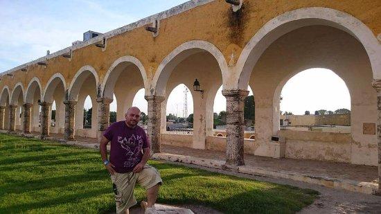 Izamal, المكسيك: Bellos arcos