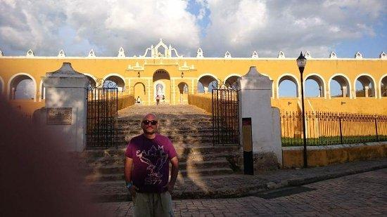 Izamal, المكسيك: Espectacular entrada