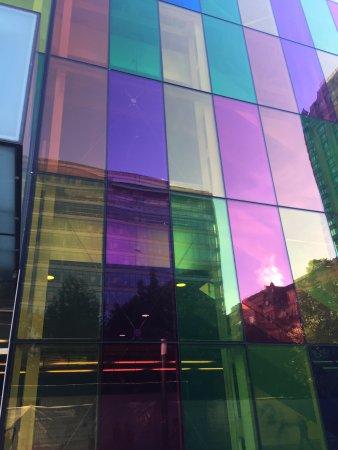Le Westin Montreal: UBICACION MAGNIFICA, MUSEOS EN LA PUERTA