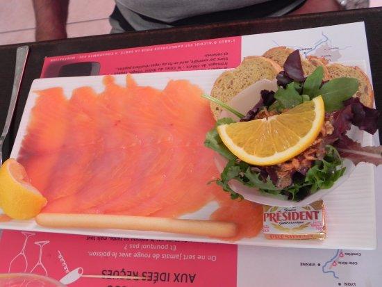 Le terminus : assiette de saumon fumé