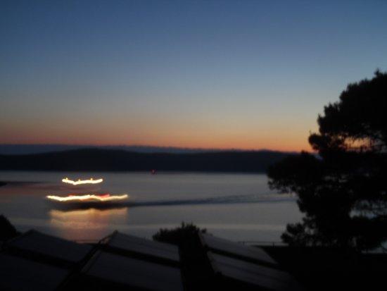 Bozava, Kroasia: Der Katamaran mit dem wir um 5h50 bequem nach Zadar fuhren! n!