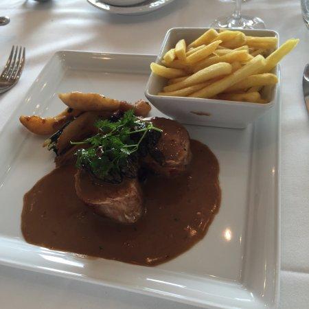Pont-la-Ville, Suíça: Déception ! Pas du tout bon rapport qualité prix ... trop cher pour des assiettes trop simples .