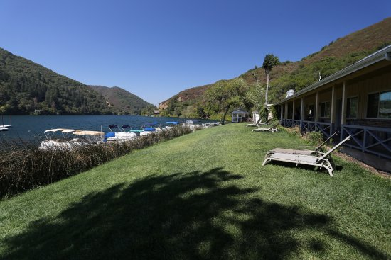 Upper Lake, CA: The rooms overlooking the lake