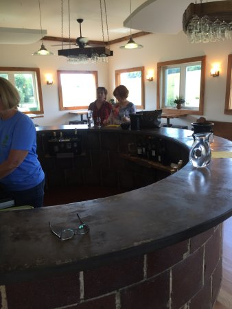 Raphine, VA: The tasting room