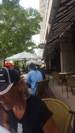 BRIO Tuscan Grille: eating outside on a nice sept day