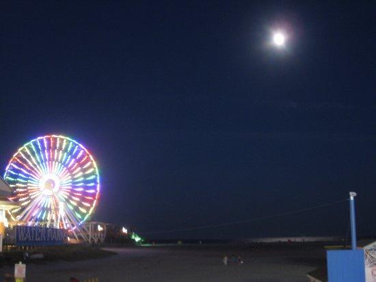 Wildwood Boardwalk: Ferris Wheel on the boardwalk