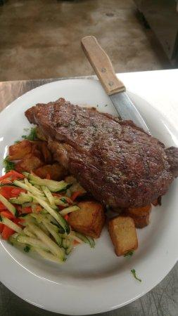 Whiteville, Carolina del Norte: Chef driven, exciting menu