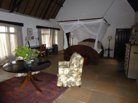 of one of the beautifully appointed rooms at O o Safari