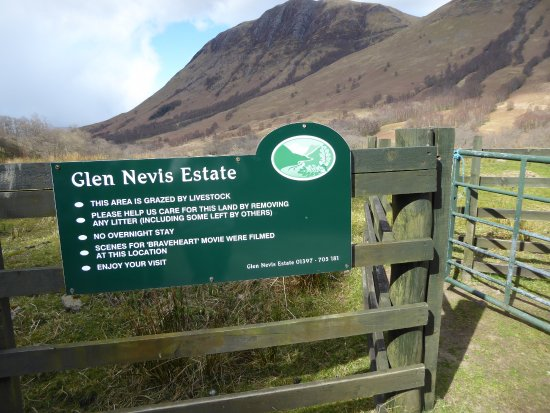 Fort William, UK: Glen Nevis Estate sign mentions Braveheart but not HL