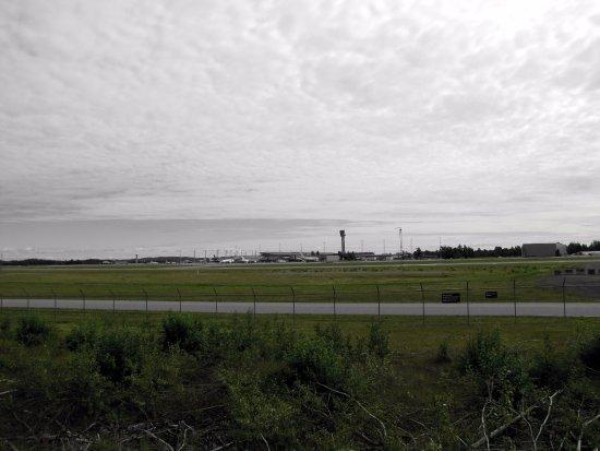 Gardermoen, Norge: Vue du terrain à côté de l'hôtel sur les pistes de l'aéroport