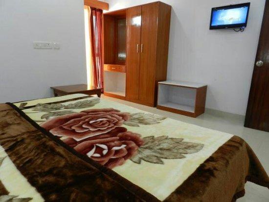 EuroStar Inn : eurostar-inn-khajuraho-executive-room-ac-4-29722954g_large.jpg