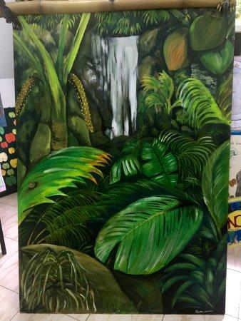 เกาะพราสลิน, เซเชลส์: Cafe, note the scale, painting in small museum