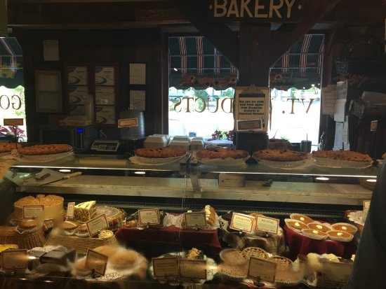 The Vermont Country Deli: Vermont Country Deli located just off route 91 at the intersection of route 9  in Brattleboro ,