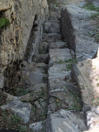 Santiago, Мексика: Rock pathway going down to Falls to judge your abilities to pass ...