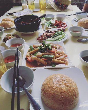 Thuong Hai Have A Nice Lunch