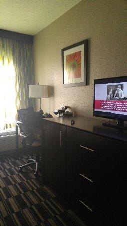 Comfort Suites Universal Studio Area: TA_IMG_20160918_150414_large.jpg
