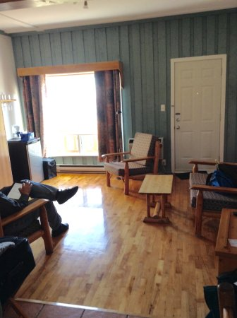 Perce Au Pic de l'Aurore: Sitting area