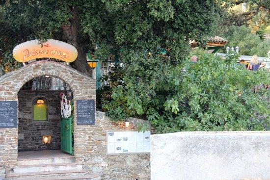 Le Poisson Rouge : L'entrée du restaurant