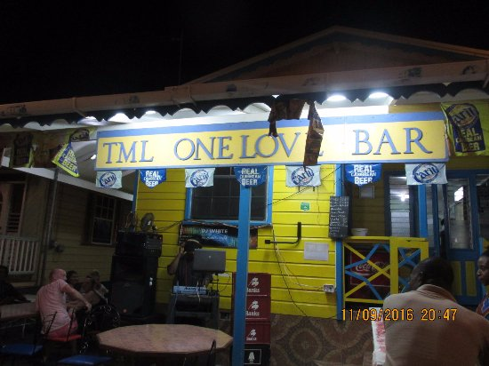 Holetown, Barbados: TML One Love Bar