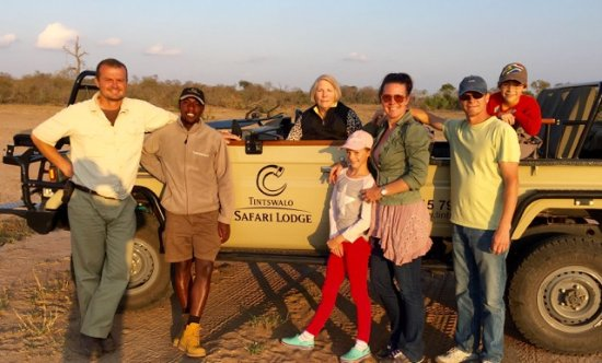 Manyeleti Game Reserve, África do Sul: Safari game drive - it doesn't get any better!