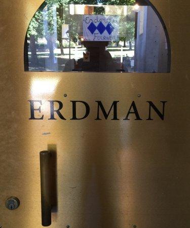 Bryn Mawr, Пенсильвания: Entrance to Erdman Hall