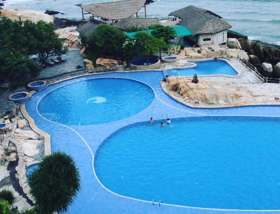 Rock Water Bay Beach Resort & Spa: Impressive pool
