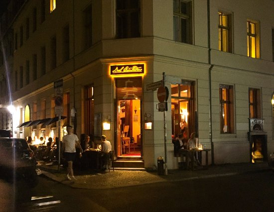 Photo of Italian Restaurant Dal Contadino at Gormannstrasse 10, Berlin 10119, Germany