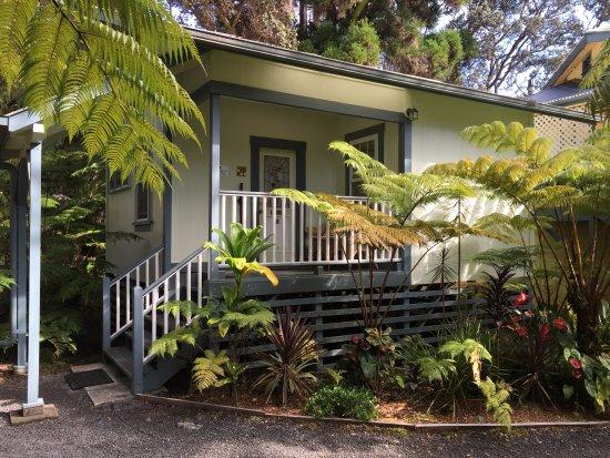 Kilauea Lodge: our cottage