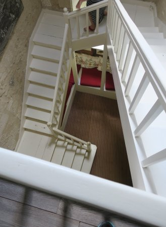Montlouis-sur-Loire, Fransa: Stairs up to Pavillion room