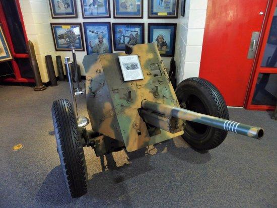 WW2 Anti-tank Gun - Picture of Veterans Memorial Park and