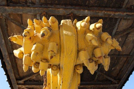 Cattedrale della Miniera di Sale: particolare della fresa dismessa
