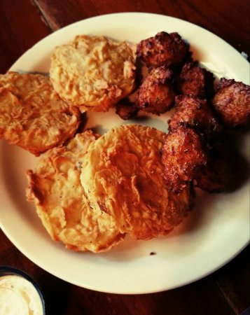 Hawthorne, Флорида: Fried green tomatoes and conch fritters
