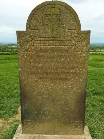 County Meath, Ιρλανδία: Marker, so old it's hard to read