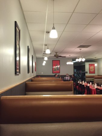 Trenton, MI: Dining