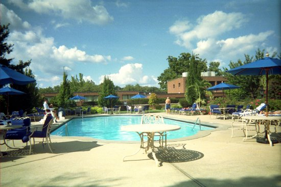 Glen Cove, NY: Outdoor Pool