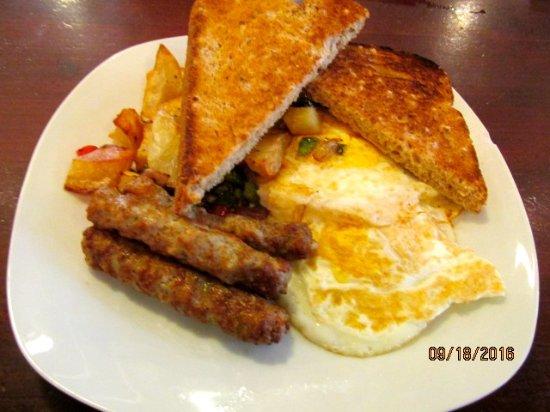 Cafe on Main: Breakfast