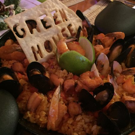 Greenhouse Cafe Dorado: Seafood paella