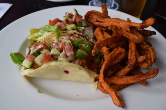Draught House and Mary's Bistro: Divine Fish Tacos on homemade flatbread
