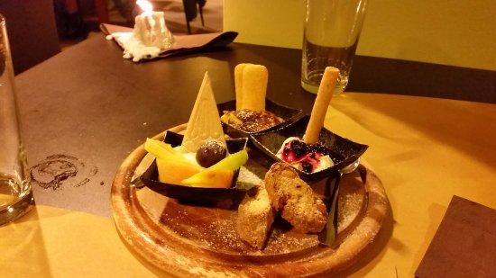 Sassocorvaro, Italië: tris di dolci a sorpresa