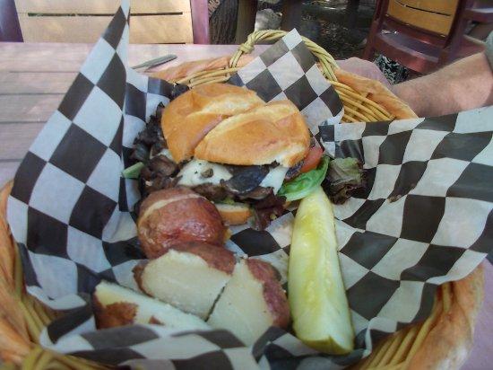 Cascade, CO: Mushroom swiss buffalo wine burger - mushrooms were thick and plentiful with lettuce and tomato