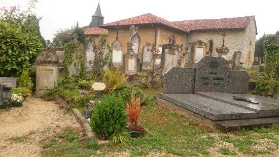 Marville, Francia: Cimetière Saint-Hilaire